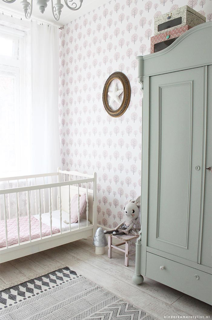 Brocante kinderkamerstylist for Meisje slaapkamer idee