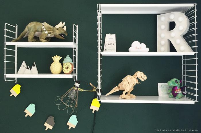 Gordijnen Kinderkamer Groen : Naast enkele basis Ikea meubelen, staan ...