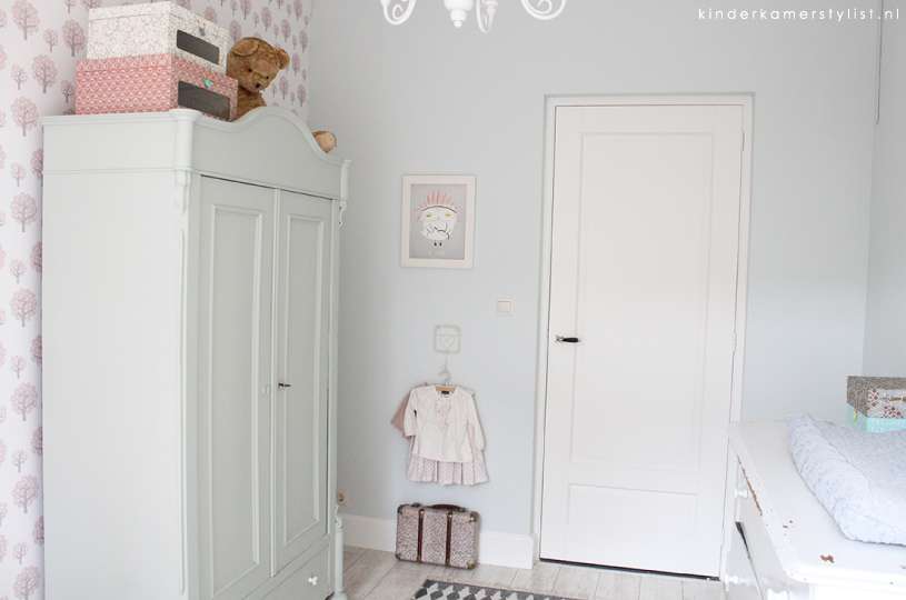 Behang Babykamer Utrecht : Meisjeskamer behang