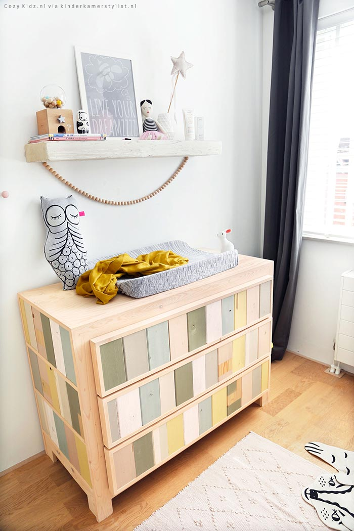 Peuterkamer meisje kinderkamerstylist for Commode plank