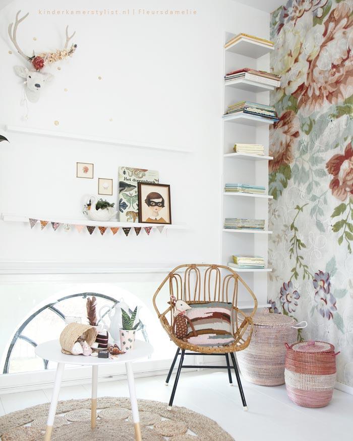 Romantisch beddengoed fabulous reactie toevoegen for Nachtkastje meidenkamer