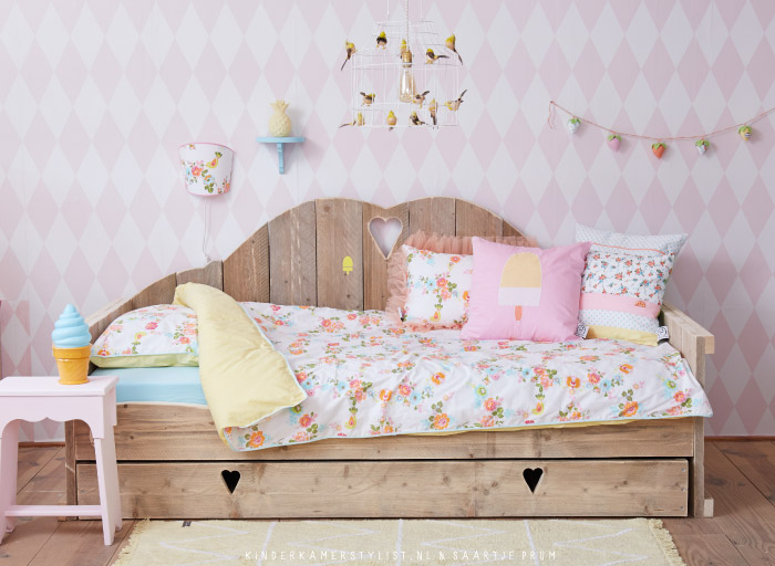 Behang Kinderkamer Geel : Behang kinderkamerstylist
